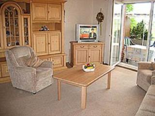 Vacation Apartment in Lippstadt - 753 sqft, clean, internet, washer and dryer included (# 774)