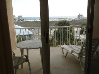 Easy to Book Condo with everything you need for a Beach Vacation!, Fort Morgan