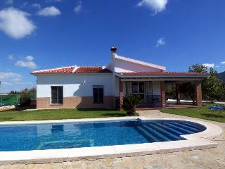 Great Country Villa 20 mins from Beaches Free Wifi, Alhaurín de la Torre