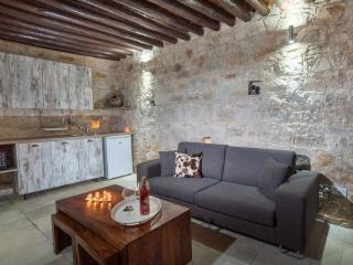 Traditional Cyprus Agro Stone Cottage - Lofou
