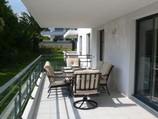 Luxurious 2 bed with Pool, Juan-les-Pins