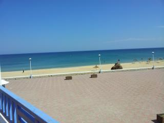 SANIA PLAGE Apartment with terrace and sea view, M'diq