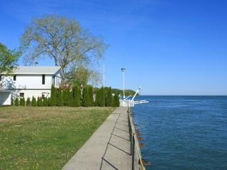 3 Bedroom Cottage  Down Town Niagara-On-The-Lake, Niagara-on-the-Lake