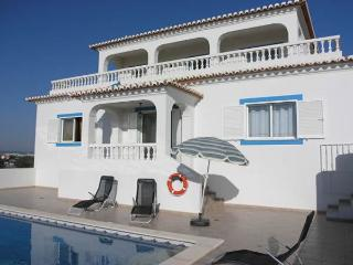 Casa Laurindo - Tranquil 3 bed villa with pool, Carvoeiro