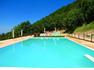 Villa Marianna : APT B with pool, 7 mls to Spoleto