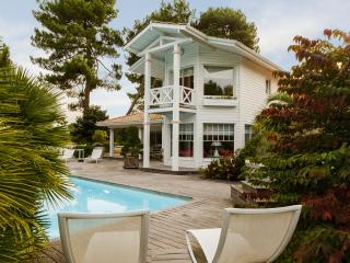 Lovely villa at the foot of the putting greens, Arcachon