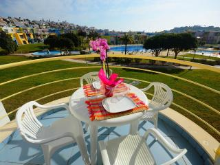 Holiday apartment, shared pool in Albufeira Marina