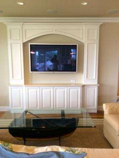 Sitting Area with Ocean Views and one of three 47' TVs