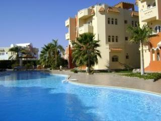 apartments with pool in resort max 20 persons, Hurghada