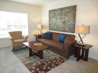 Lux Westwood 2BR w/pool, gym & Wifi