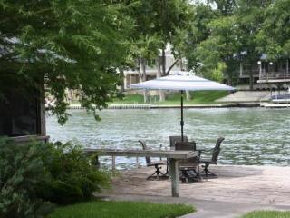 Spacious & Updated Home on Lake McQueeney, Seguin