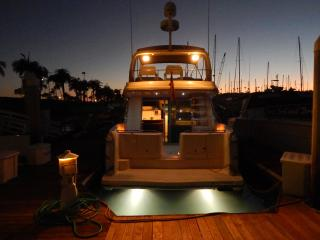 BOAT, BED and BREAKFAST - 'CZECH MATE' SLEEK YACHT, San Diego