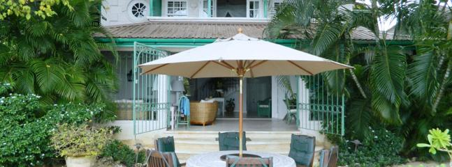 SPECIAL OFFER: Barbados Villa 255 A Beautiful Beachfront Villa With A Wonderful View And Plenty To Offer.