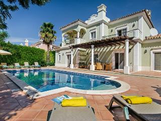 4 Bedroom Villa With Private Pool And Barbecue, Walking Distance To The Beach - Quinta Do Lago - REF, Quinta do Lago
