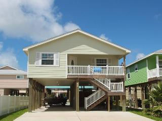 Batton The Hatches, 3/2, Community Pool, Close to Beach, Sleeps 12, Free Cart, Port Aransas