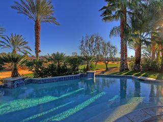 Beautifully remodled  Golf Course Home with Private Resort Pool, La Quinta