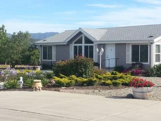 2BR/2BA Stunning Guest Home on 20 acre ranch nestled in the Vineyards-Sleeps4, Solvang