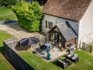 Affordable, modern holiday home in Loire Valley, Cussay