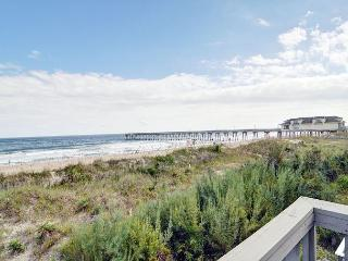 Eakins - Oceanfront Townhouse with wonderful decks and magnificent views, Wrightsville Beach