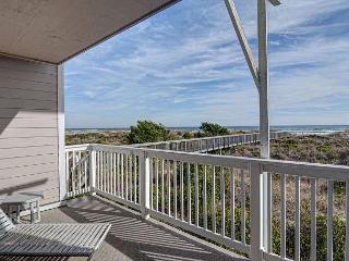 Wrightsville Dunes 1A-G - Oceanfront condo with community pool, tennis, beach, Wrightsville Beach
