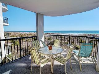 DR 2211- Simply elegant oceanfront condo with expansive views, pool and tennis, Wrightsville Beach
