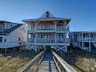 LegaSea- Exceptional oceanfront home perfect for larger family get together, Carolina Beach