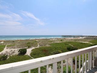 Wright By The Sea - Relax and enjoy the beach at this comfy oceanfront condo, Wrightsville Beach