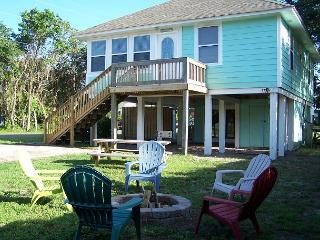 Sea Glass Cottage - Restored classic beach cottage, short walk from the beach, Carolina Beach
