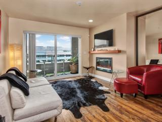 Lake Union - 2 Bdrm Furnished Condo, Seattle