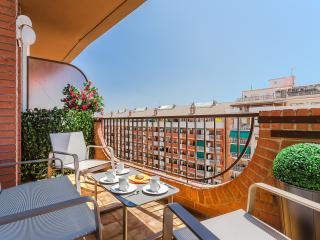 Cosy with terrace and nice view of the city, Barcelona