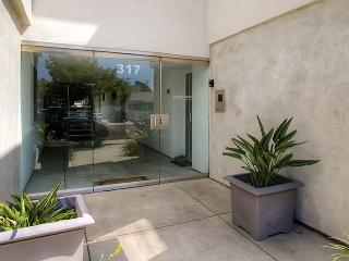 317 Pine Ave #206, Carlsbad