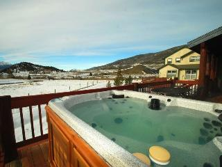 Lake Ridge Estates 170 - On Shuttle route to Keystone AND Breckenridge, private hot tub!