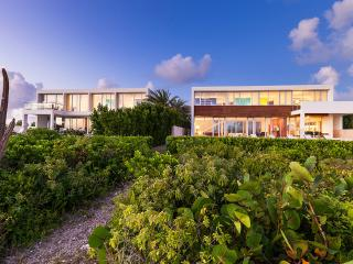 5th Night FREE in 2 Beaches Edge Anguilla Villas!*