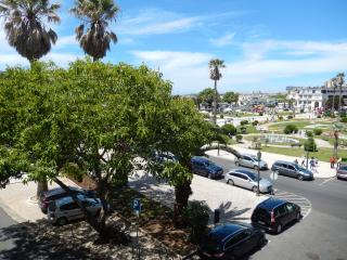 Estoril Beachfront 1 Bedroom Apartment - Ocean & C
