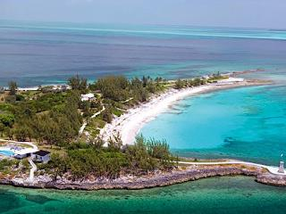 Luxury 7 bedroom Berry Islands villa. Private Island!, Little Whale Cay
