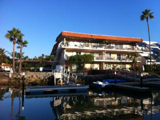 2 Bed, 2 Bath Waterfront Getaway, Carlsbad