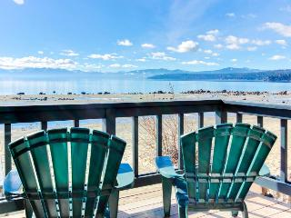 Lakefront, right on the sand!, Tahoe Vista