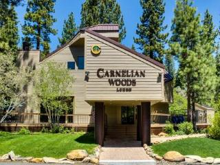 Right in the heart of North Tahoe-close to beach, skiing, Carnelian Bay