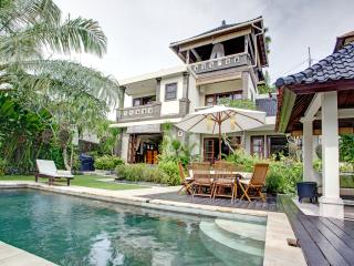 Luxury Villa in Southern Bali.Peaceful,Lush,Homey, Ungasan