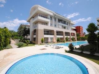 apartament in the center of Kemer,700m from sea