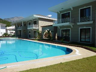apartments with views of the majestic mountains an, Kemer