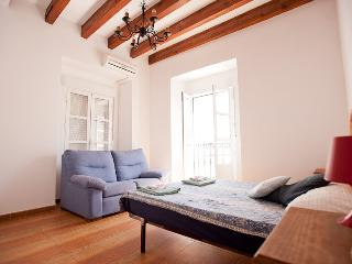 2BD LUXURY BEST LOCATION A/C+WIFI, Sevilla