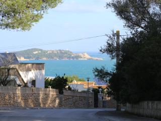 BEACH VACATIONAL HOUSE WITH POOL AND SEA VIEWS, Font de Sa Cala
