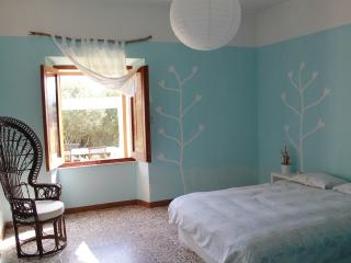 Villa with huge garden: quite and fresh, Luogosanto