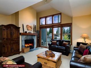 Treeline 7 - 3 bed Upper Village ski-in townhome, Whistler