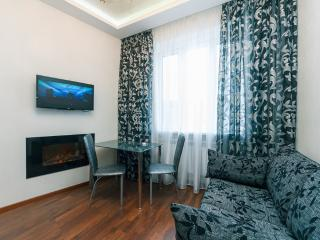Deluxe two bedrooms with Jaccuzi, Kiev