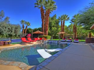 Beautiful 5/5 tennis estate in south Palm Desert