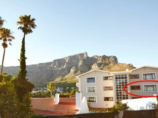 Characterfull, cosy, romantic 1BD, Cape Town