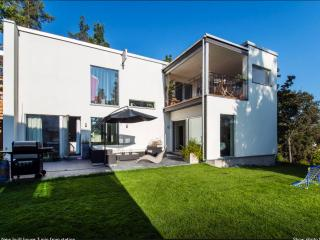 Exclusive new built house - 300m from station, Stockholm