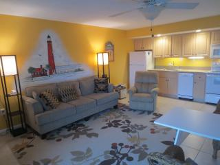 Studio Condo across from Beach, New Smyrna Beach